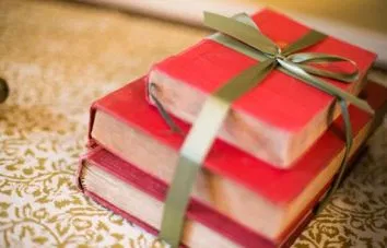 Give the gift of reading this Christmas